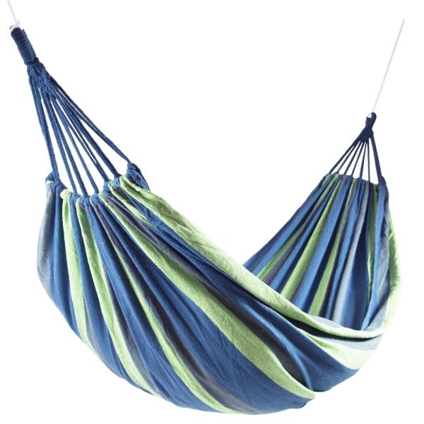 Hängematte aus 10% Baumwolle und 90% Polyester, ca. 150x210 cm, mit Transportbeutel und 2 m langen Seilen, erhältlich in der Farbe dunkelblau oder rot, Serie Peru
