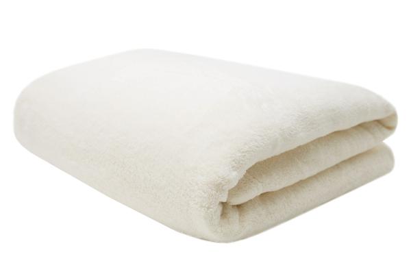 Hochwertige Kuscheldecke aus 100% Polyester, verfügbar in 9 verschiedenen Farben, erhältlich in den Größen 150x200 cm und teilweise in Größe 220x240 cm, Serie Ortler